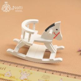 Лошадка-качалка для кукольного домика Ларрея