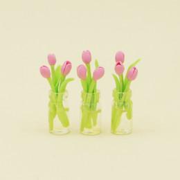 Тюльпаны для кукол в вазе розовые