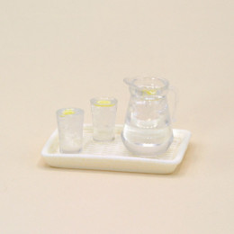 Набор кувшин и стаканы с лимонадом на лотке для кукол