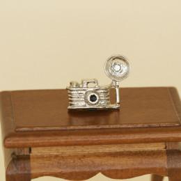 Фотоаппарат для кукол со вспышкой серебристый