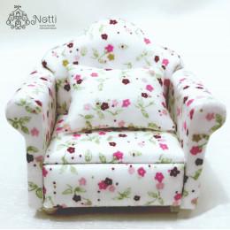 Кресло для кукольного домика Грейгия