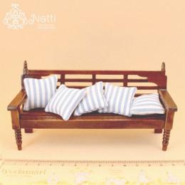 Скамейка для кукольного домика Ива Штарке