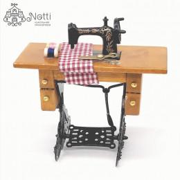 Швейная машинка для кукол Фаргеза