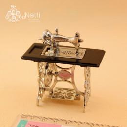 Швейная машинка для кукол Хатиса