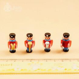 Набор солдатиков для кукол