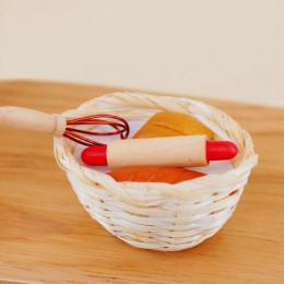 Корзинка с хлебом скалкой и венчиком для кукол