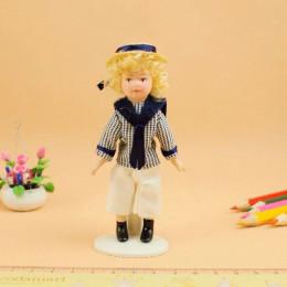 Житель кукольного домика Итан