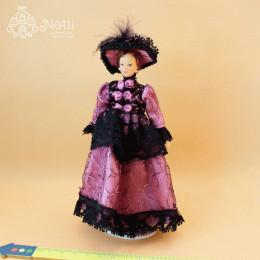 Житель кукольного домика Офелия