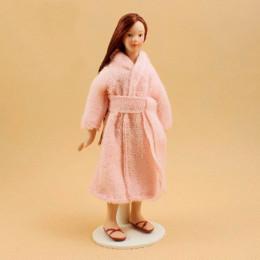 Житель кукольного домика Силвия