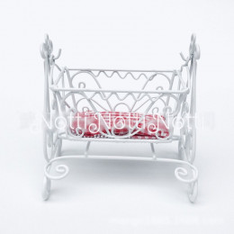 Кроватка для кукольного домика «Бальзамин»