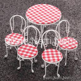 Стол и стулья для кукол Пион