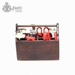 Набор инструментов для кукол в ящике Сандер