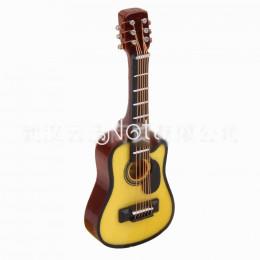 Гитара для кукол Карла