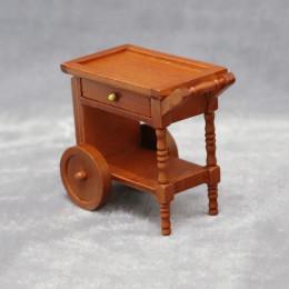 Столик с колесами для кукольного домика орех
