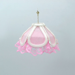 Люстра для кукольного домика на батарейках розовая