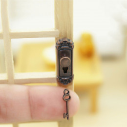 Дверной замок для кукольного домика Бронза