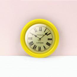 Настенные часы для кукольного дома желтые G10315