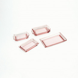 Набор пластиковых лотков для кукол темно-розовый