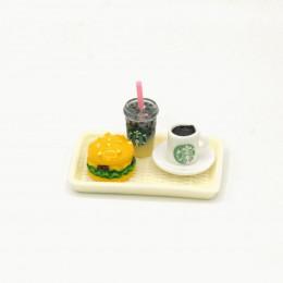 Набор для кукол банановый напиток, кофе и бургер на подносе