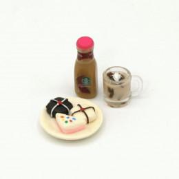 Набор для кукол пирожные на блюде, горячий шоколад и топпинг для кофе