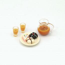 Набор для кукол пирожные на блюде и сок