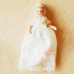 Житель кукольного домика Агата