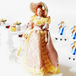 Житель кукольного домика Диана