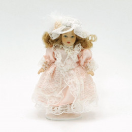 Житель для кукольного домика Анфиса