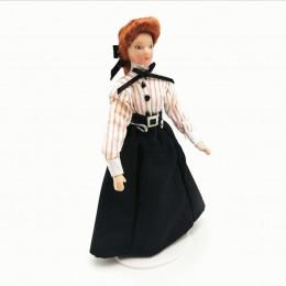 Житель кукольного домика Анна